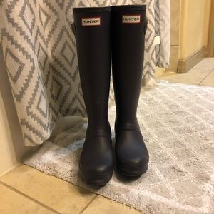 SOLD - HUNTER Original Tall Wellington rain boots